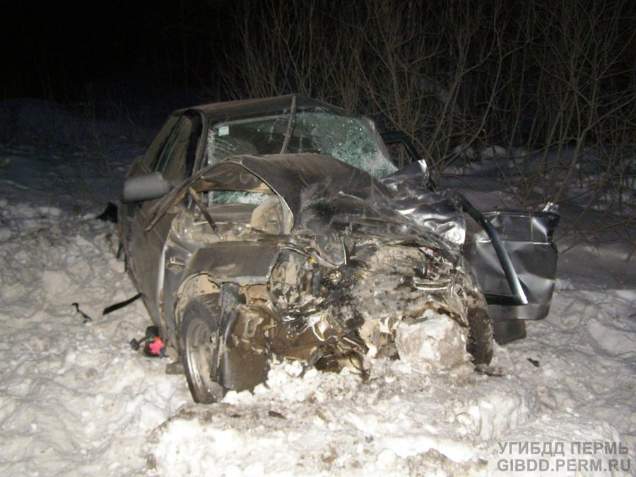 В Октябрьском районе в ДТП погиб человек, двое тяжело ранены