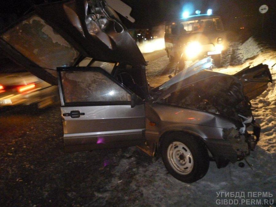 В Пермском районе в ДТП погиб водитель, двое тяжело ранены