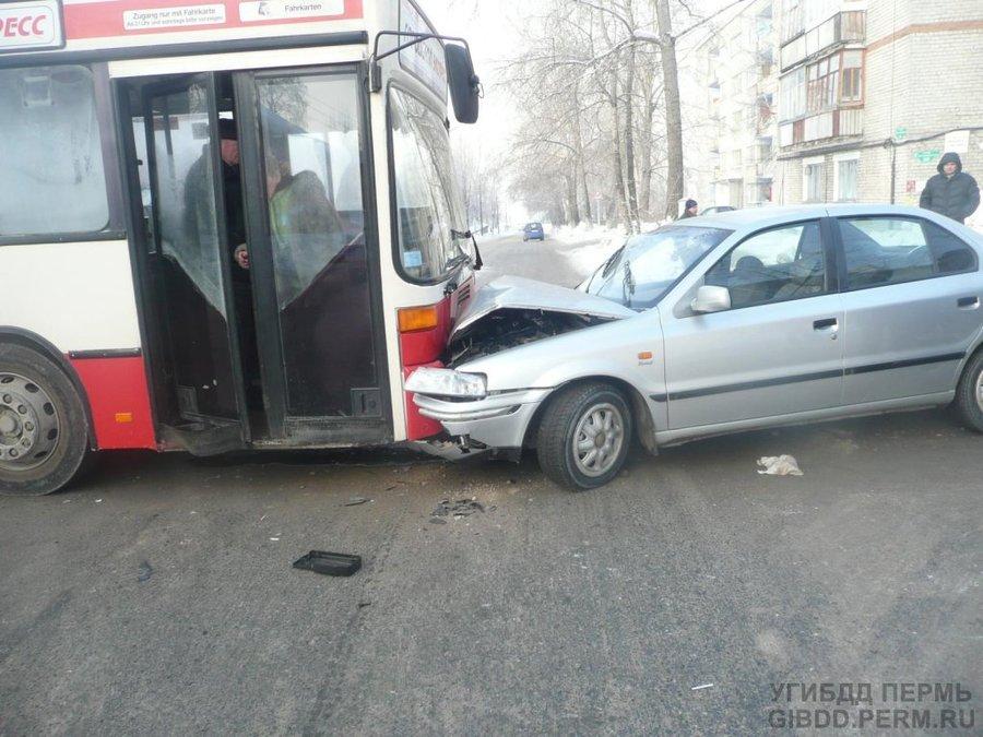 В Соликамске иномарка увернулась от пешехода