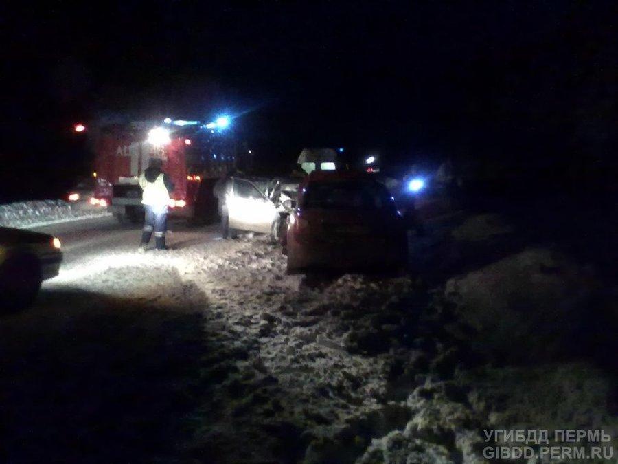 В Пермском крае в ДТП пострадали четверо взрослых и малыш - фото 1