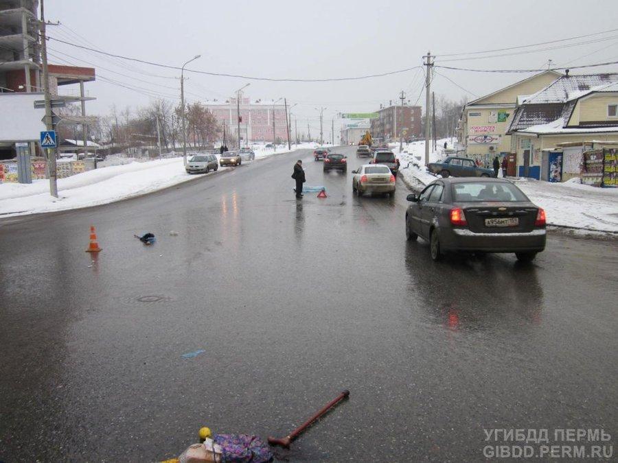 В Перми под колесами Мицубиси скончалась 85-летняя женщина