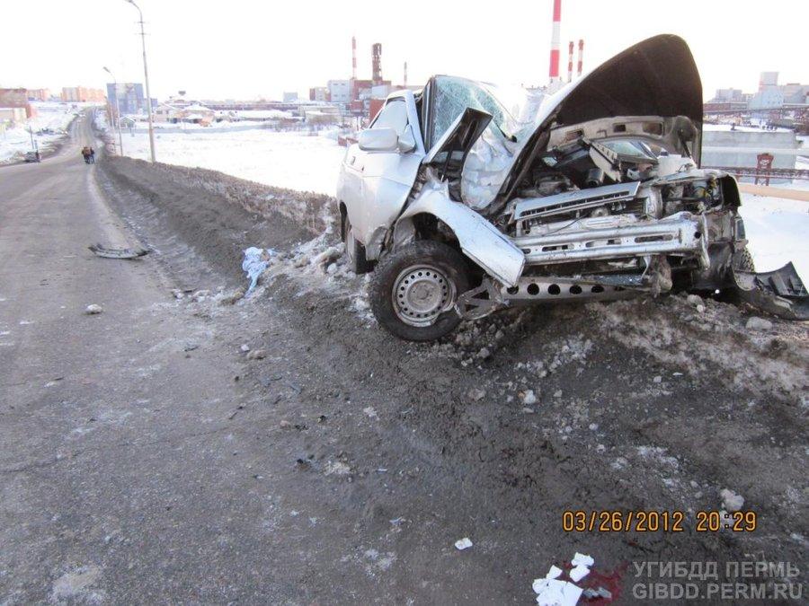 В Соликамске в автоаварии травмированы три человека - фото 1
