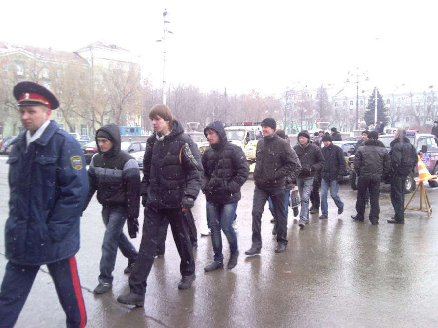 В Пермском Дворце пермяки любовались оружием - фото 3