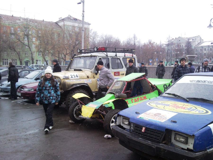 В Пермском Дворце пермяки любовались оружием - фото 6