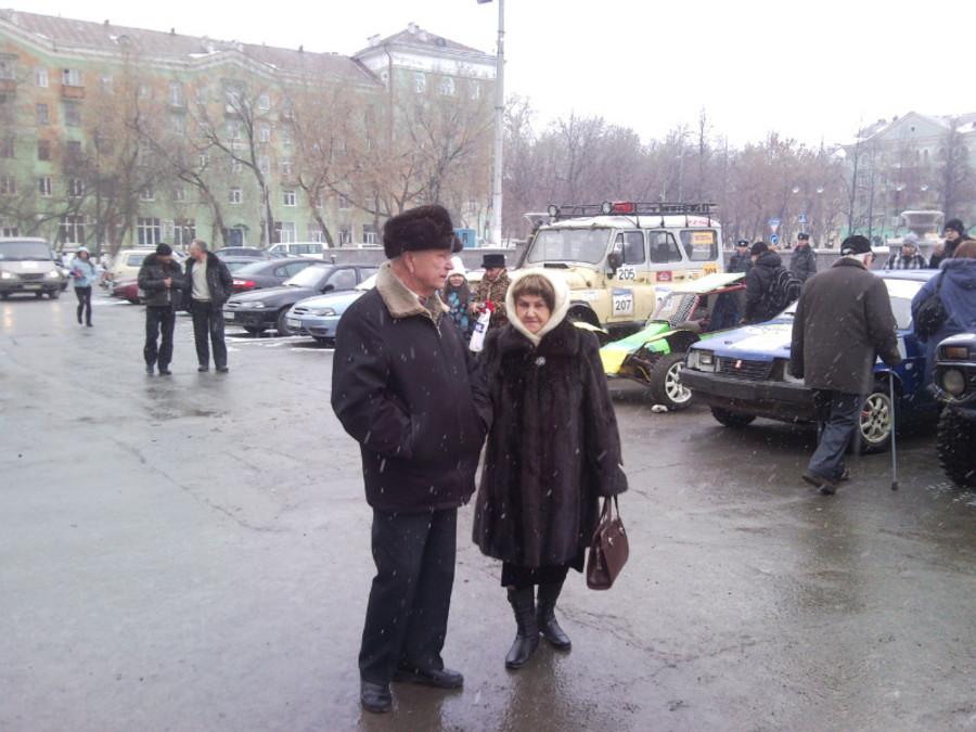 В Пермском Дворце пермяки любовались оружием - фото 7