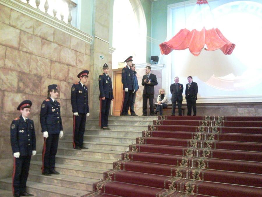 В Пермском Дворце пермяки любовались оружием - фото 8