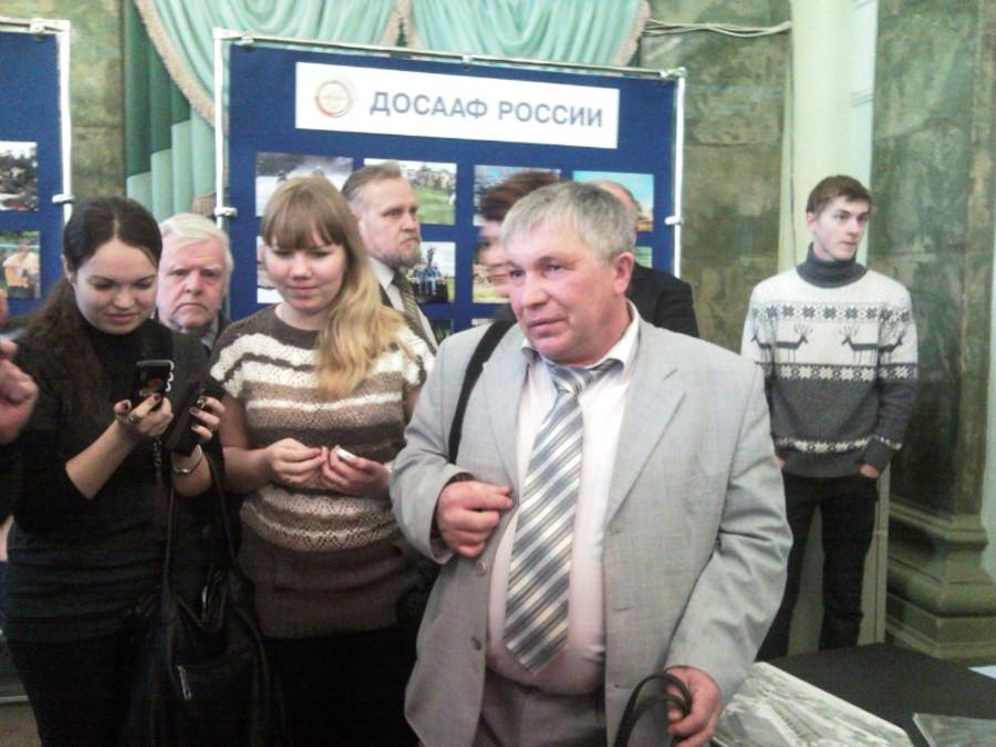 В Пермском Дворце пермяки любовались оружием - фото 15