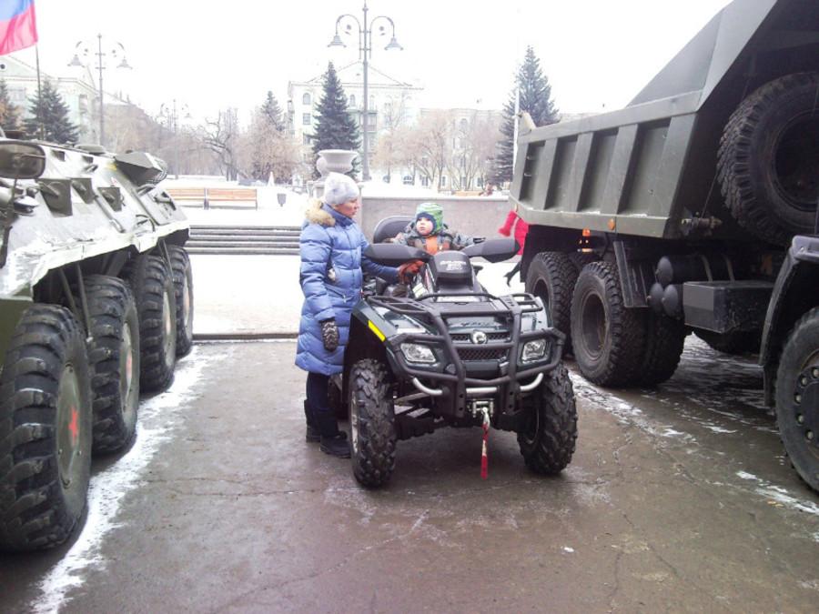 В Пермском Дворце пермяки любовались оружием - фото 29