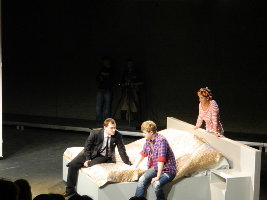 В театре «Сцена-Молот» сыграли «Свадьбу» и разыграли зрителей - фото 2