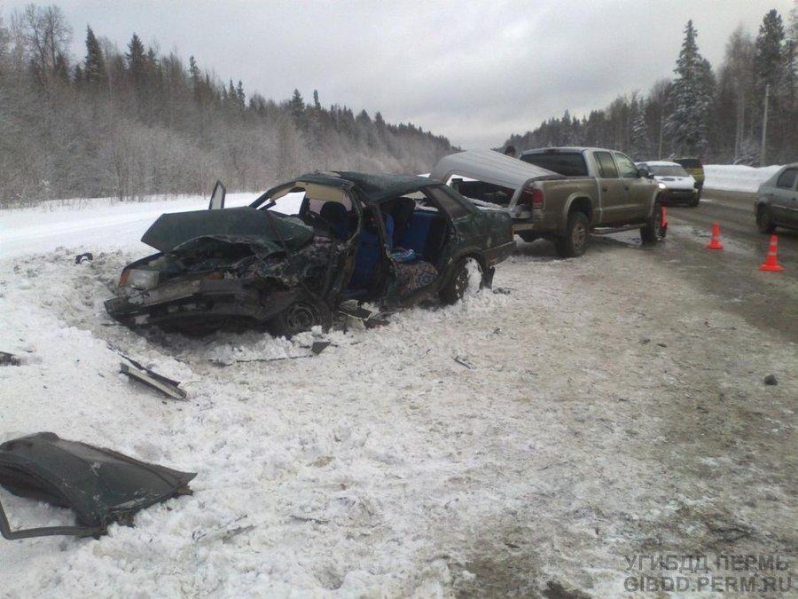 В Перми Додж убил водителя ВАЗа - фото 1