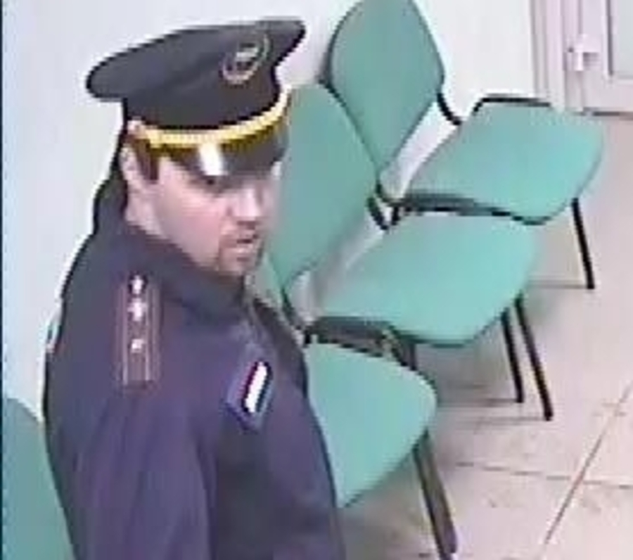 Полиция разыскивает налетчика, похитившего из Сбербанка 2,7 миллиона рублей - фото 1