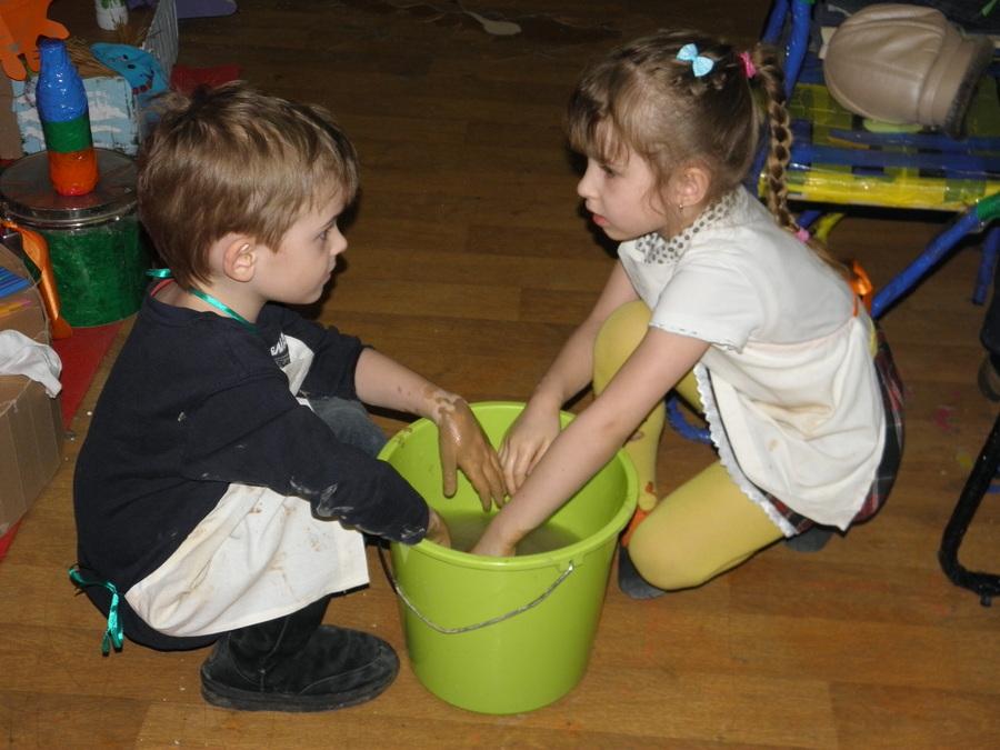"""В Перми на """"Чердаке"""" дети поиграли в глину"""