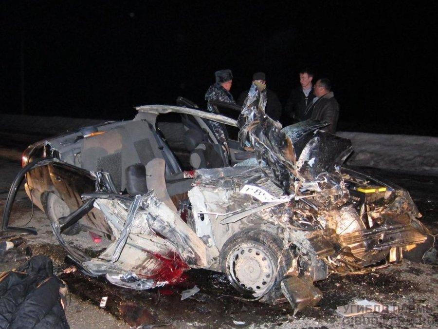 В Пермском крае в автоаварии двое убиты и двое ранены