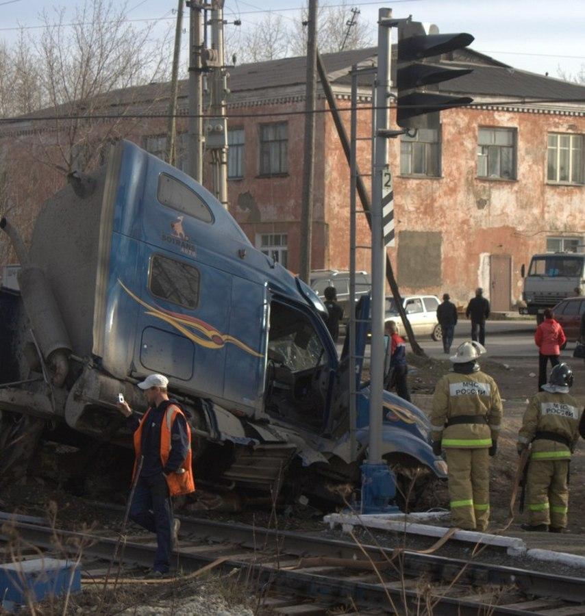 В Чусовом на железнодорожном переезде очередная авария - фото 2