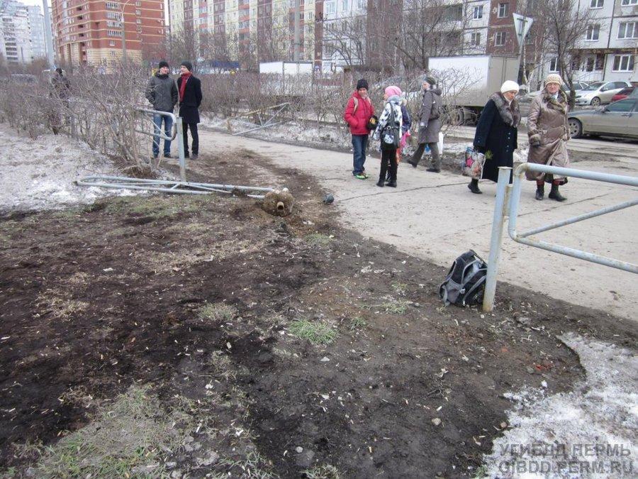 В Дзержинском районе Перми в ДТП ранен семиклассник - фото 1