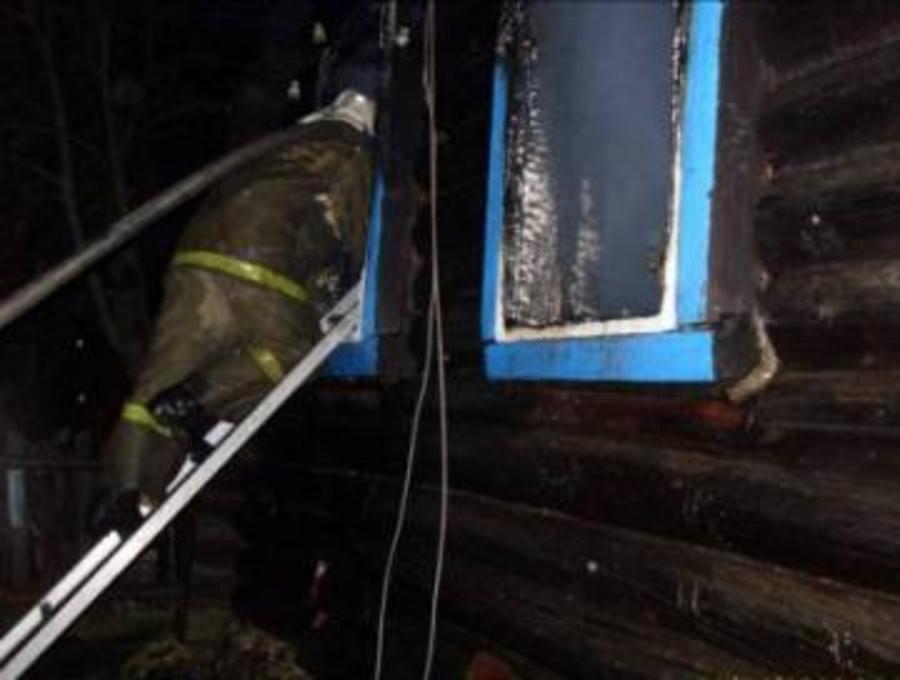 В Пермском крае на пожаре погибли трое взрослых и 9-летняя девочка
