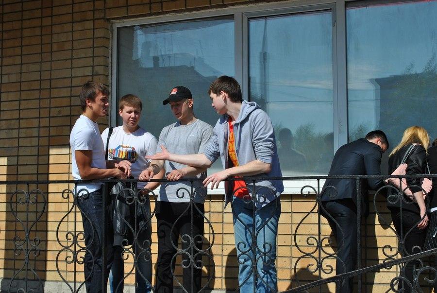 Ребята из Закамска поздравили ветеранов района