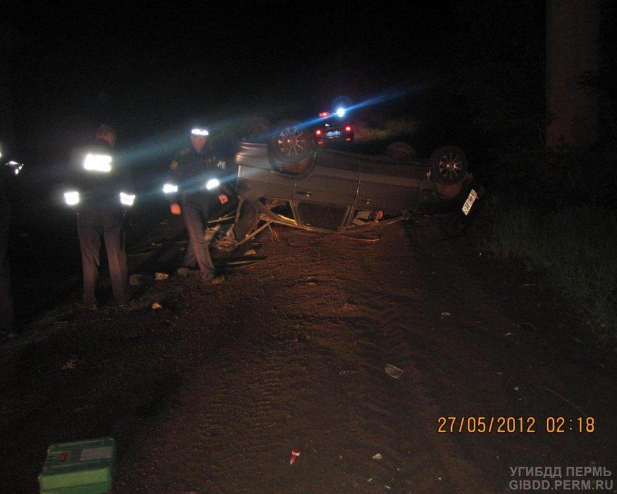 В Чернушке водителя и пассажира ВАЗа в состоянии комы доставили в больницу