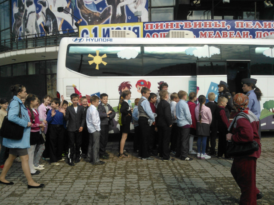 Пермские школьники сегодня тренировались в автобусе - фото 1
