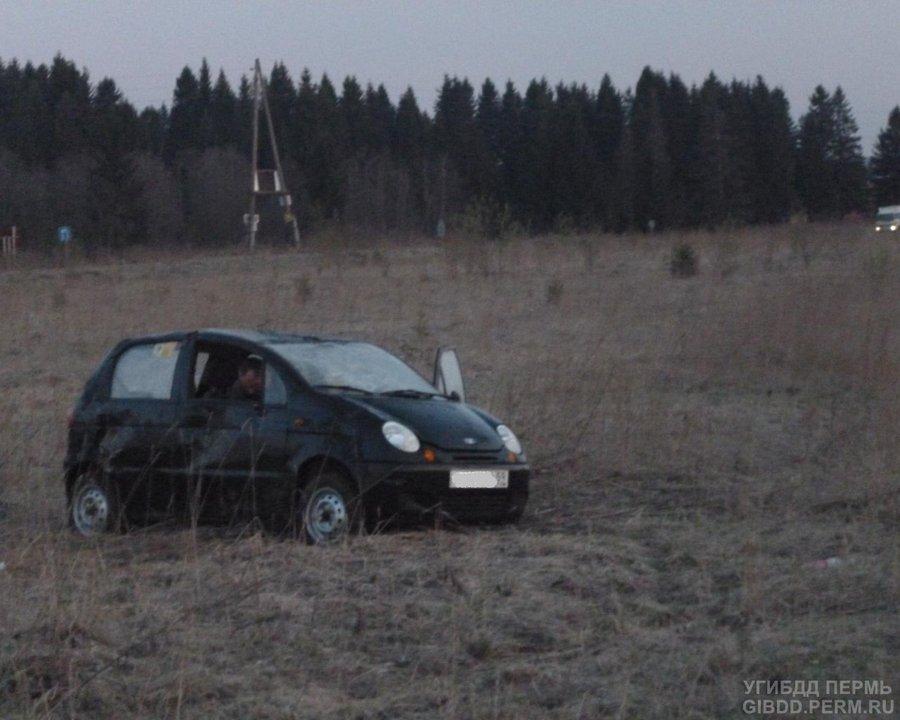 В Пермском районе две женщины перевернулись на Матизе - фото 1