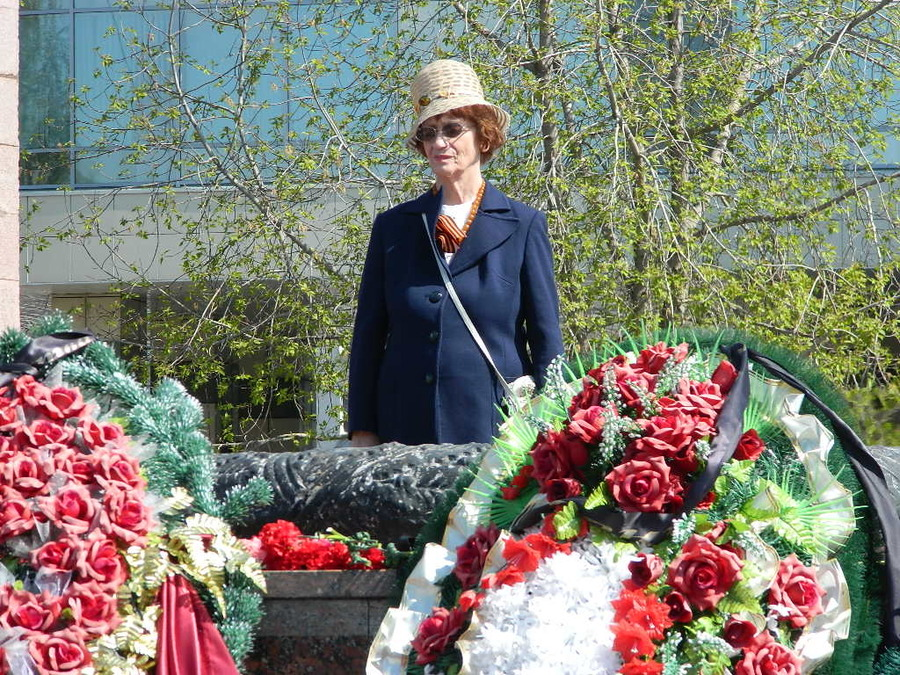 В Перми на площади у танка праздновали День Победы