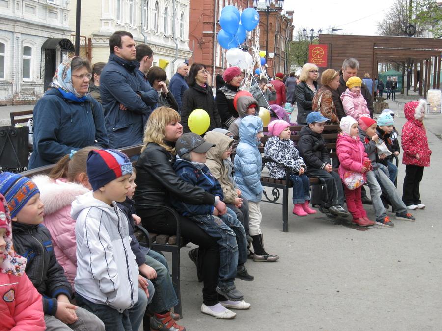 На пермском «Арбате» 1 мая веселились дети - фото 9