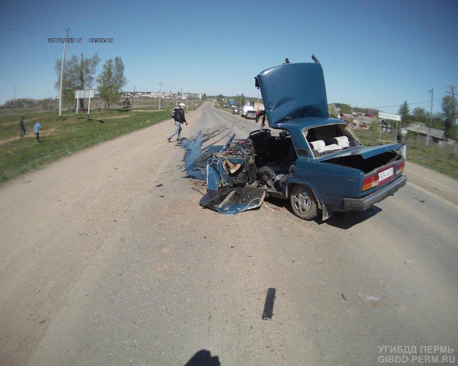 В Верещагинском районе «семерка» влобовую столкнулась с Опелем