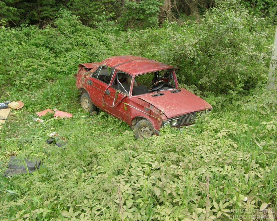 В Частинском районе пьяный водитель перевернул вазовскую «шестерку»