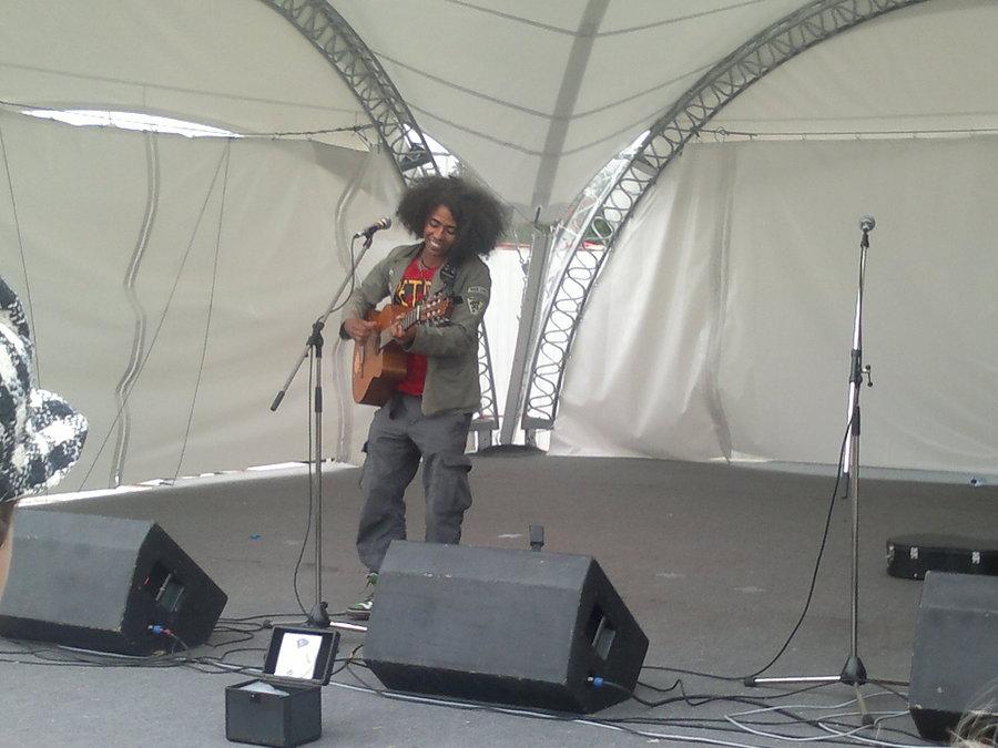 Музыкант из Мадагаскара спел для пермяков
