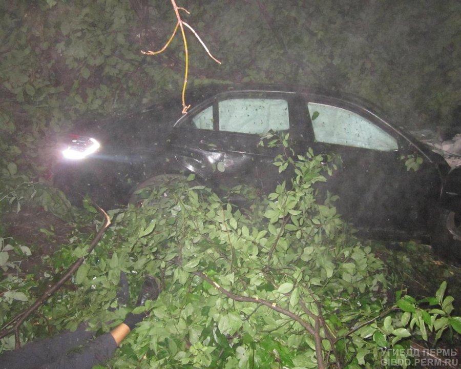 В Индустриальном районе погиб водитель Мерседеса - фото 1