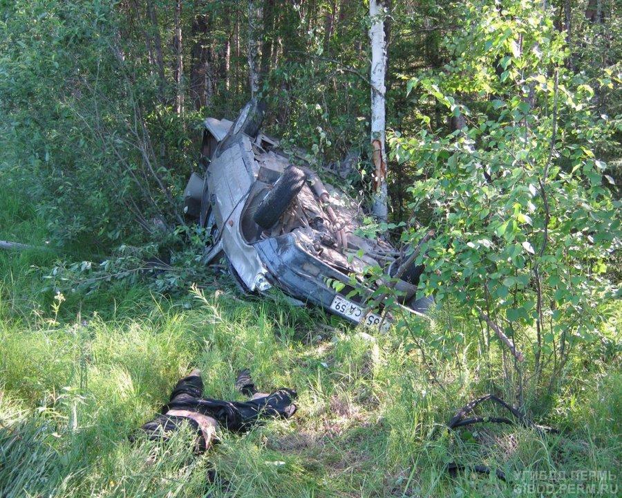 В Красновишерском районе погиб пассажир перевернувшегося ВАЗа - фото 1