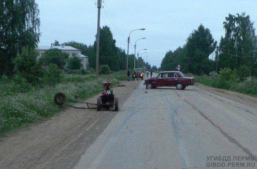 В Кудымкаре «шестерка» врезалась в мотоблок