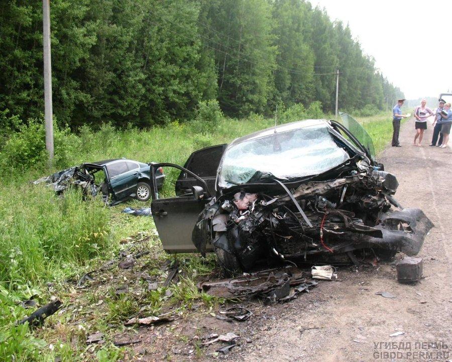На трассе Пермь — Екатеринбург два человека погибли и два ранены