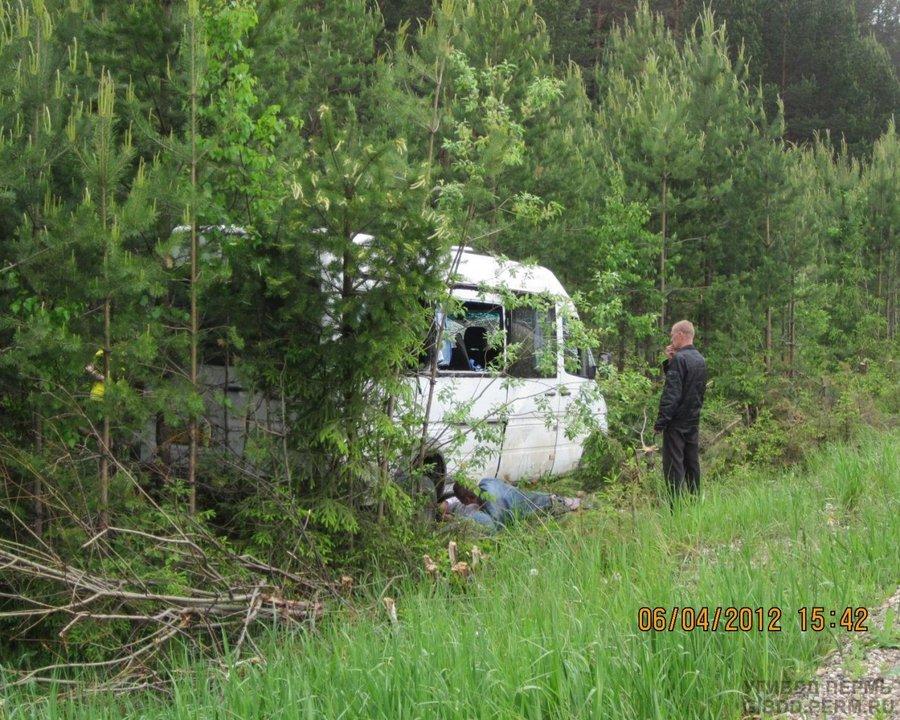 В Соликамске перевернулся Мерседес, есть жертвы - фото 1