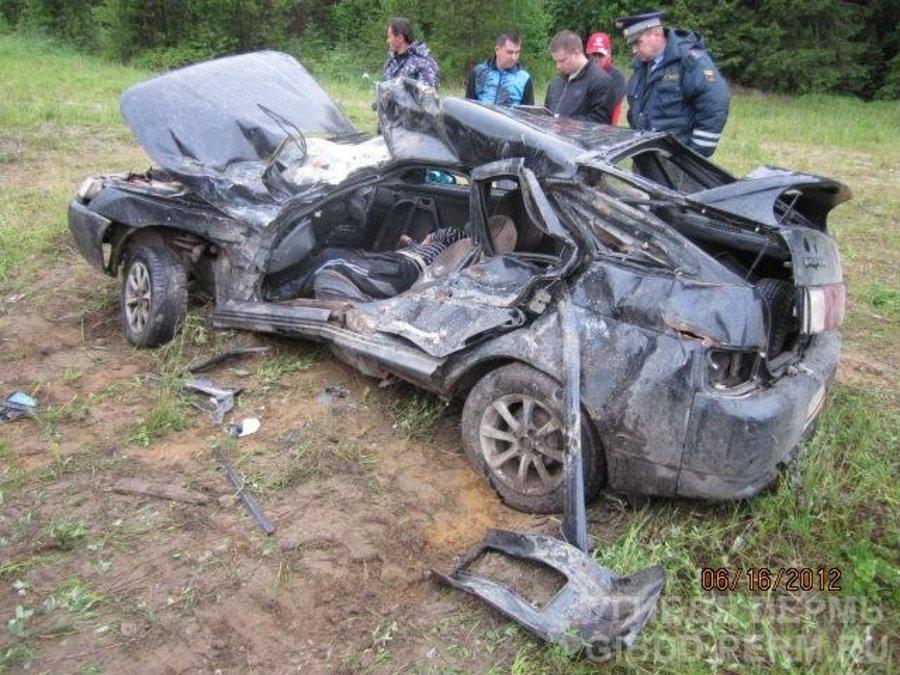 В Соликамском районе погиб водитель ВАЗа, не уступивший дорогу КАМАЗу - фото 1