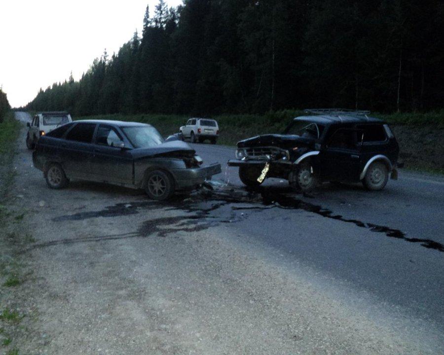 В Алекснадровском районе пострадали водители столкнувшихся ВАЗов