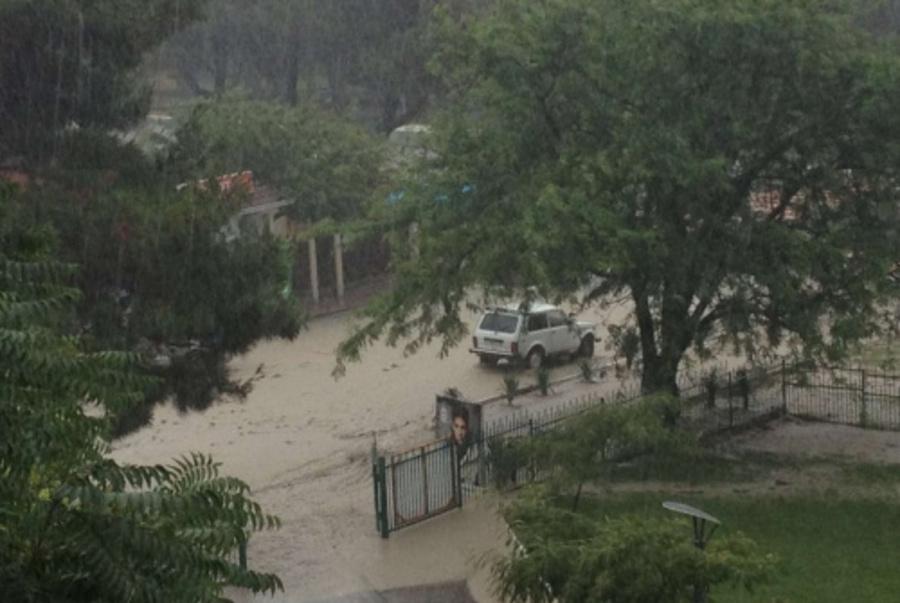 В затопленном дождями Геленджике находятся две группы пермских детей - фото 1