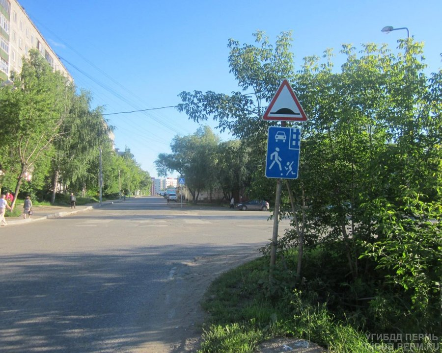 В Перми «семерка» убила старушку, идущую по газону - фото 1