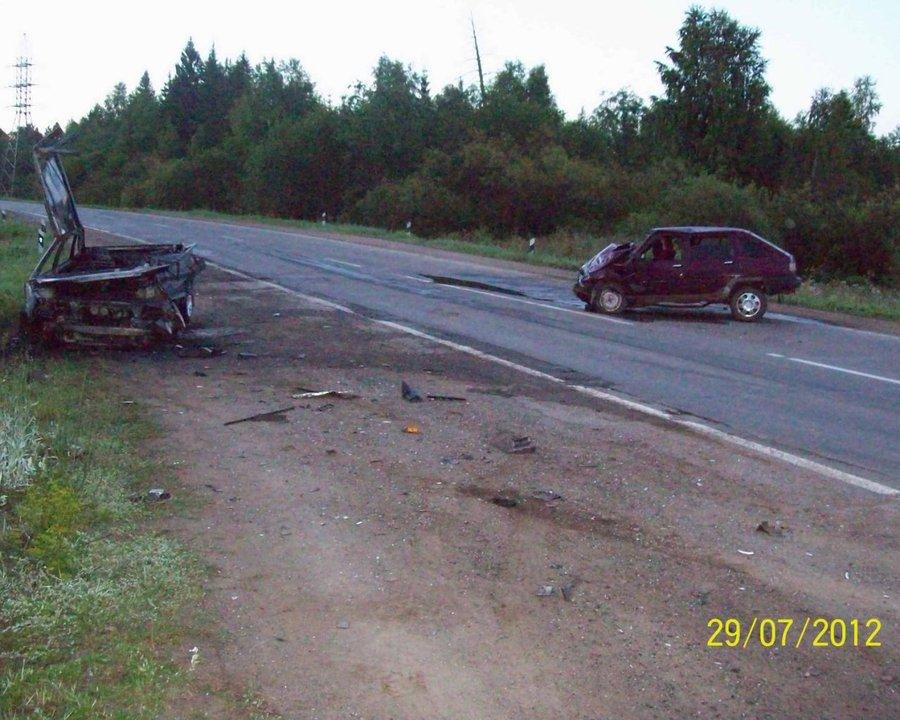 В Очере водитель и пассажир погибли в горящем ВАЗ 21099 - фото 1