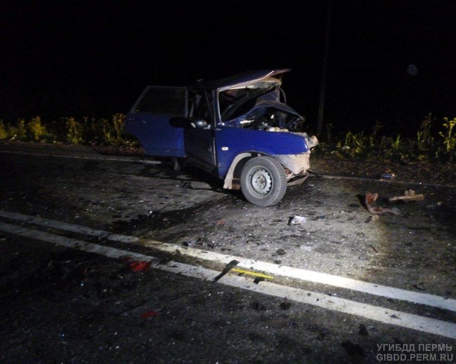 В Пермском районе в лобовом столкновении погибли два водителя - фото 1
