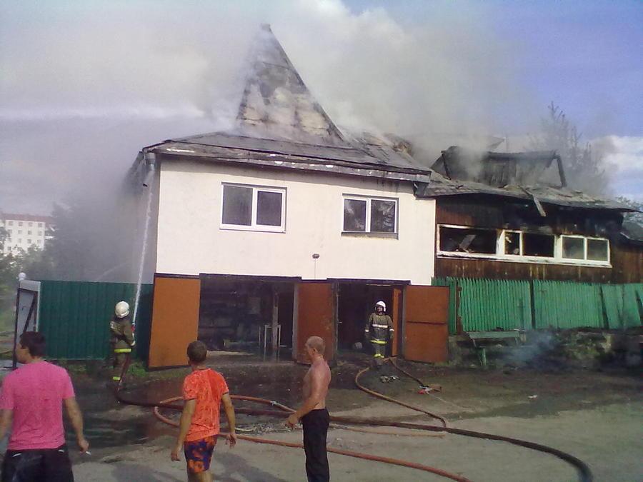 Сегодня в Перми пожарные отстояли горящий дом