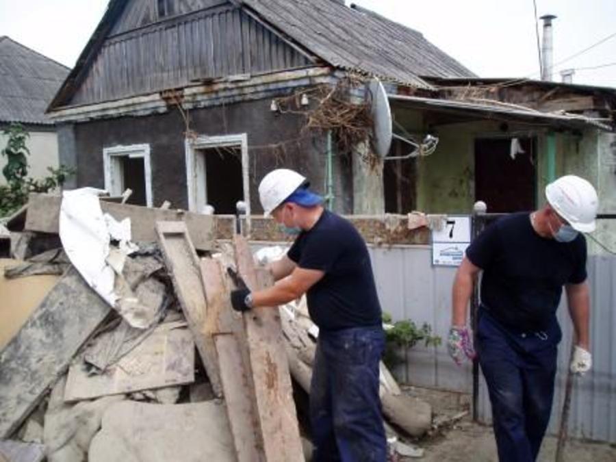 Пермские спасатели помогают Крымску, пострадавшему от наводнения… - фото 11