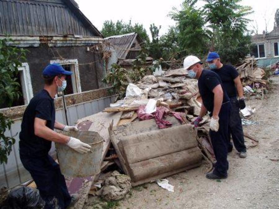 Пермские спасатели помогают Крымску, пострадавшему от наводнения… - фото 12