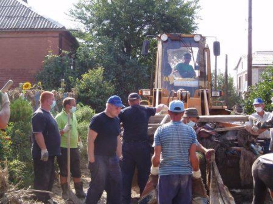 Пермские спасатели помогают Крымску, пострадавшему от наводнения… - фото 14
