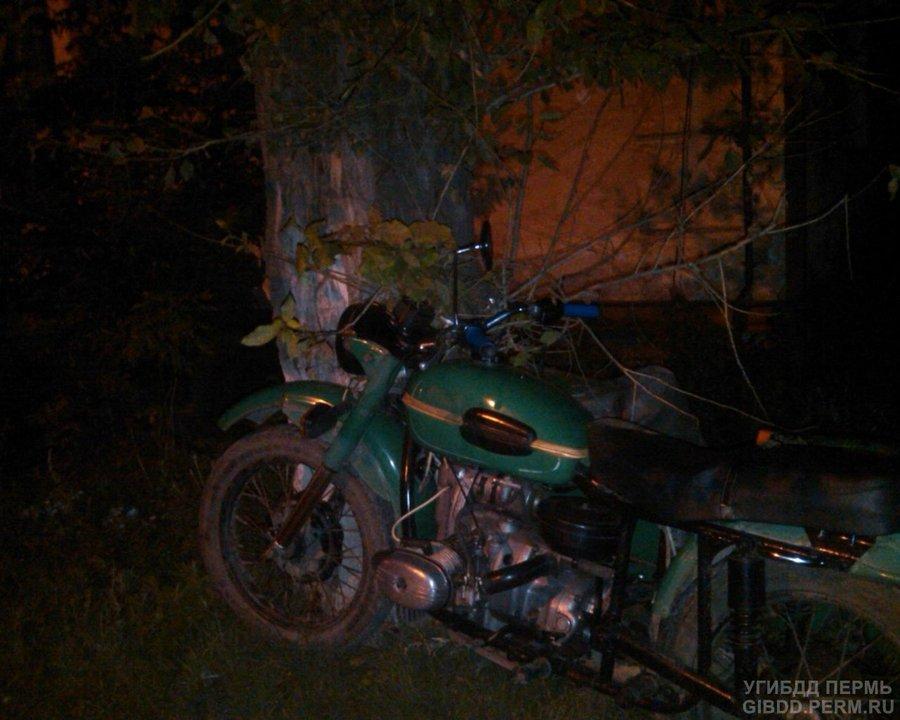 В Кунгуре пьяный мотоциклист покалечил двух своих пассажиров - фото 1