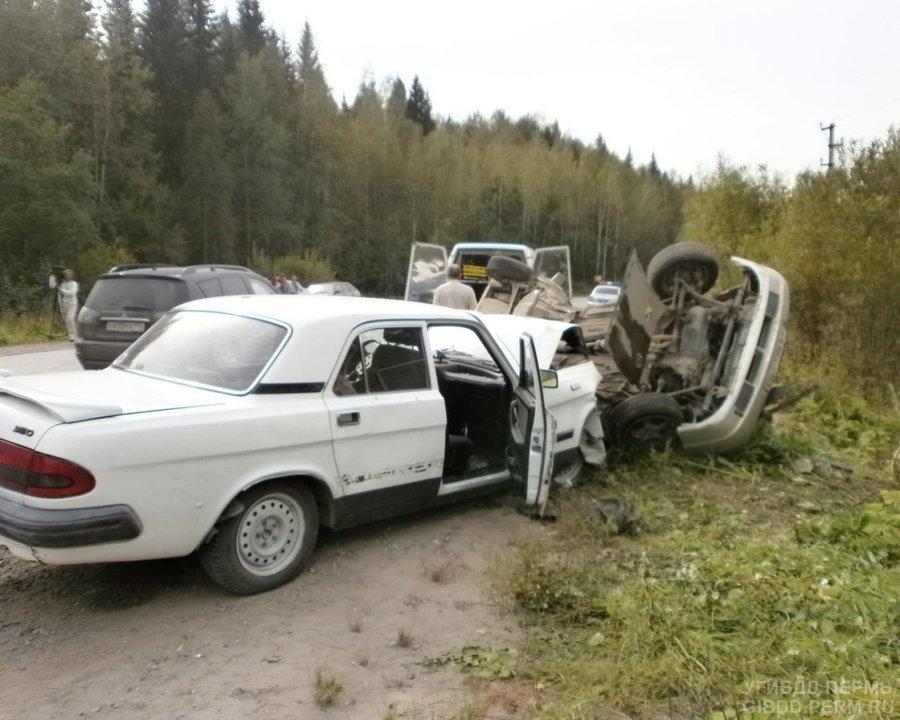 В Усольском районе в лобовом столкновении погиб водитель «двенашки»