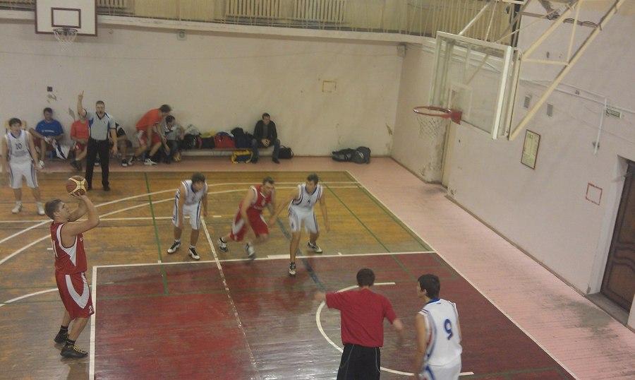 Баскетбольная команда ПГНИУ вновь одержала победу
