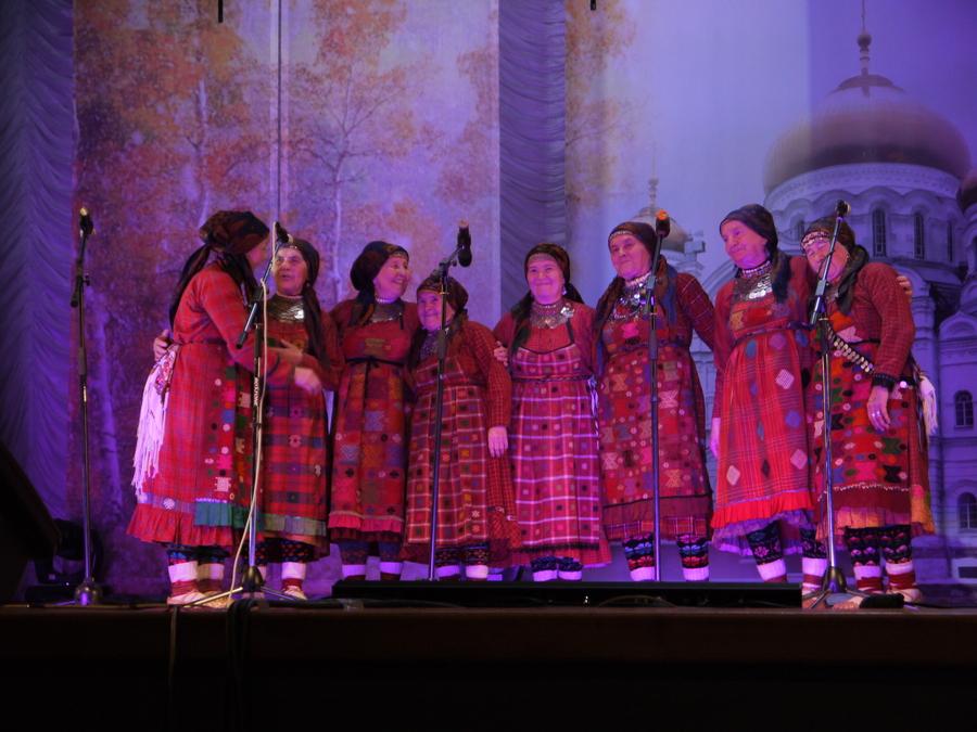 Бурановские бабушки приняли участие в благотворительном концерте в Перми