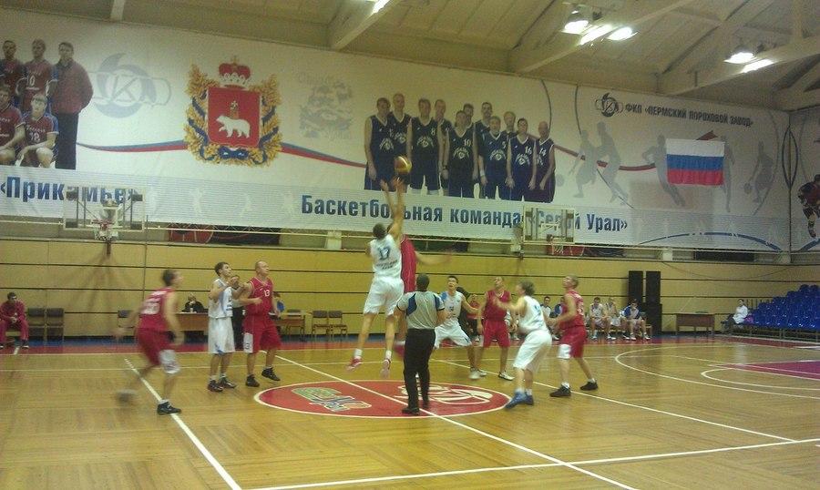 Баскетбольная команда «Академ-баскет» продолжит борьбу за кубок города