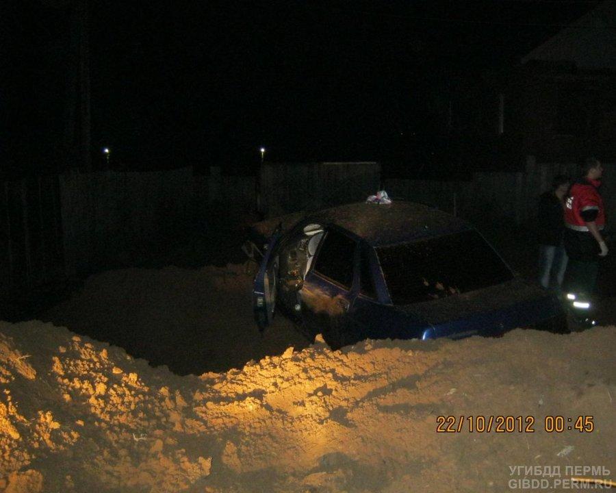 В Чайковском пьяный водитель зарыл машину в песок